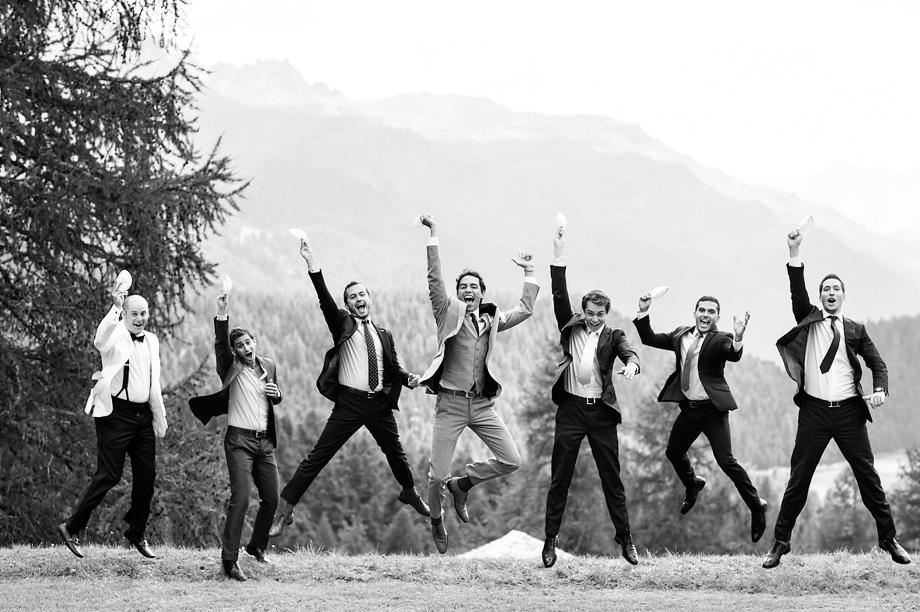 Hochzeit St. Moritz Suvretta Zeremonie Outdoor jump