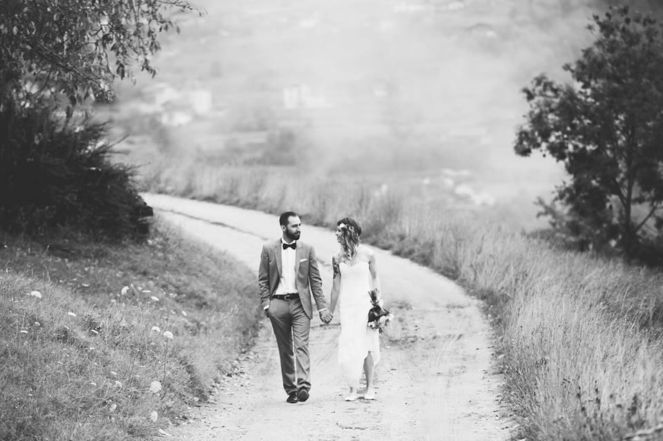 Hochzeit Ossona Wallis Tattoos Katholisch Trauung Regen Boho