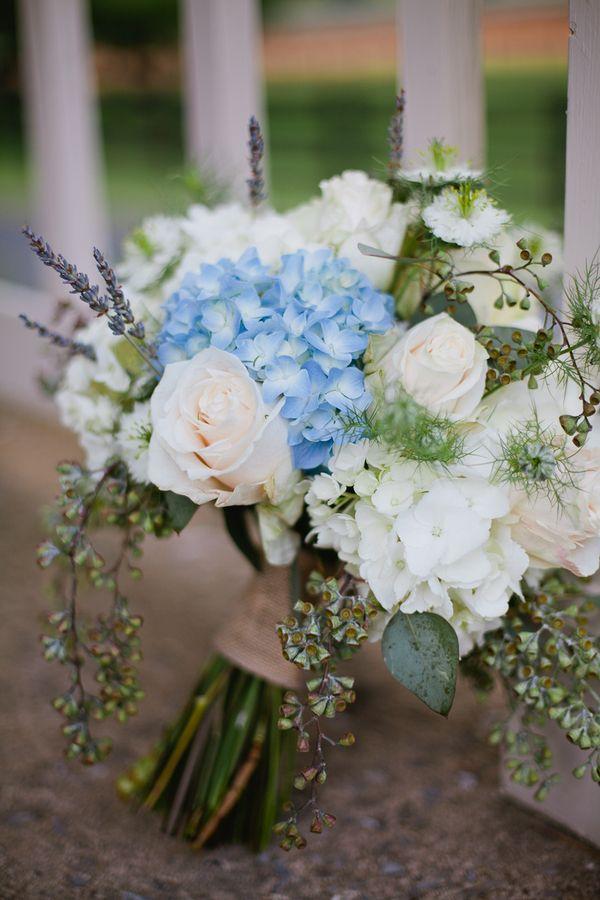 Hortensien Blau Weiss Rosen Lavendel Brautstrauss Mademoiselle No