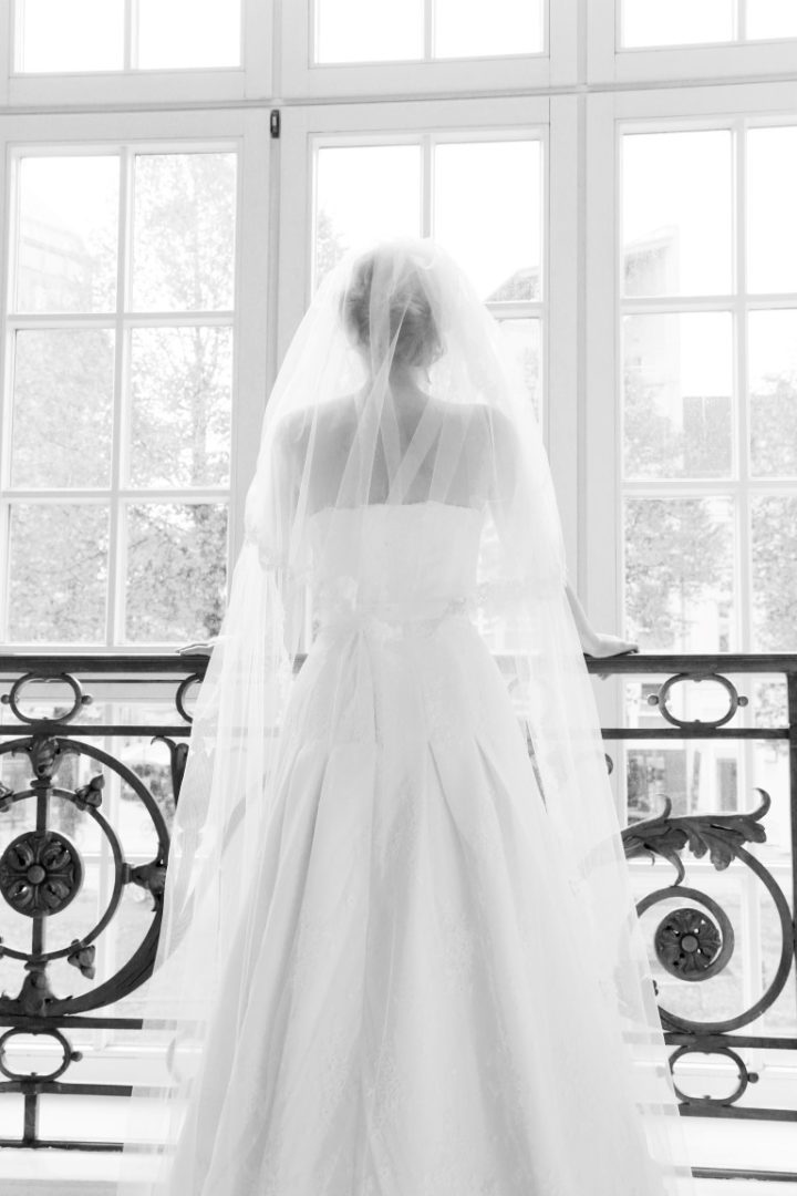 65 Klara Brautkleid Hochzeitskleid Spitze Schleier Trägerlos ...