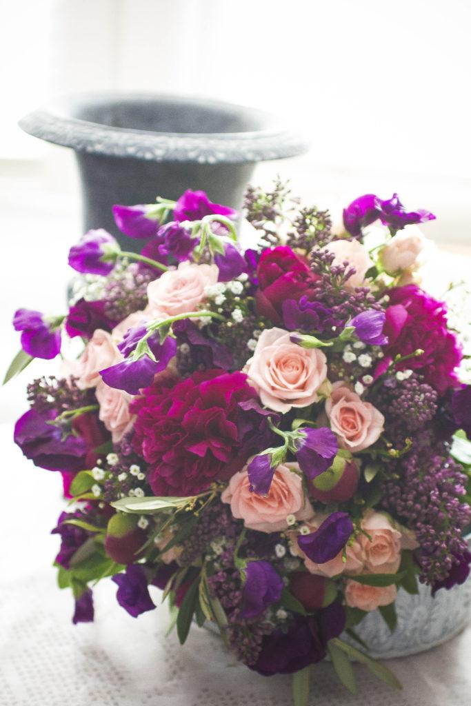 Brautstrauss April Rosen Lila Rosa Hortensien English Rosarium Hochzeitsfloristik Saison